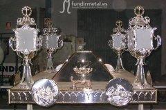 trono-plateado